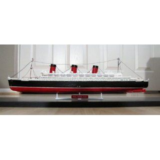 Revell 05203 1/570 Queen Mary Toys & Games