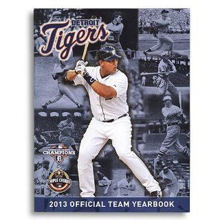 2013 Detroit Tigers Official Yearbook  Sports Fan Apparel  Sports & Outdoors
