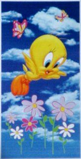 Looney Tunes Tweety Bird Beach Bath Towel  Walk in Clouds Toys & Games