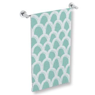"Uneekee Scallops Patterned Decorative Bath Towel 30"" x 62"""