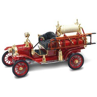 Signature Series Scale 118   Diecast Model Ford Model T '14 Fire Engine Toys & Games