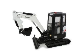 Ertl 1:16 Big Farm Bobcat E35 Mini Excavator: Toys & Games
