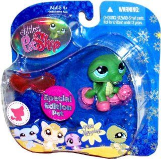 "Hasbro Littlest Pet Shop ""Special Edition Pet"" Portable Collectible Bobble Head Figure Set   Happiest #987 Alligator with Slippers and Sunglasses: Toys & Games"