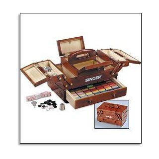Singer(R) Wooden Sewing Box