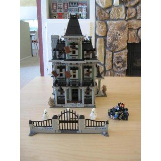 LEGO Haunted House 10228 Monster Fighters: Toys & Games