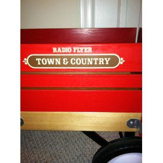 Radio Flyer Town and Country Wagon: Toys & Games