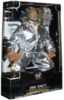 "World Wrestling Entertainment WWE Collector Series 1 Super Stars Classic Ring Giants 14 Inch Wrestler Figure   Ted Dibiase "" Million Dollar Man "" with Silver Suits, Belt and 13 Points of Articulation: Toys & Games"