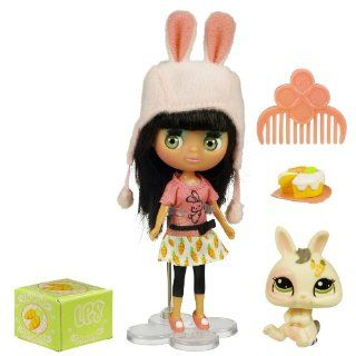 Littlest Pet Shop Pet Sitters   Bunny: Toys & Games