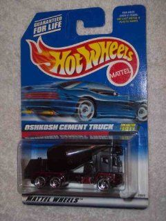 #1011 Oshkosh Cement Truck Collectible Collector Car Mattel Hot Wheels Toys & Games