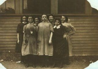 1911 child labor photo Group of girls working in Cass & Daley Shoe Co, Salem. g4